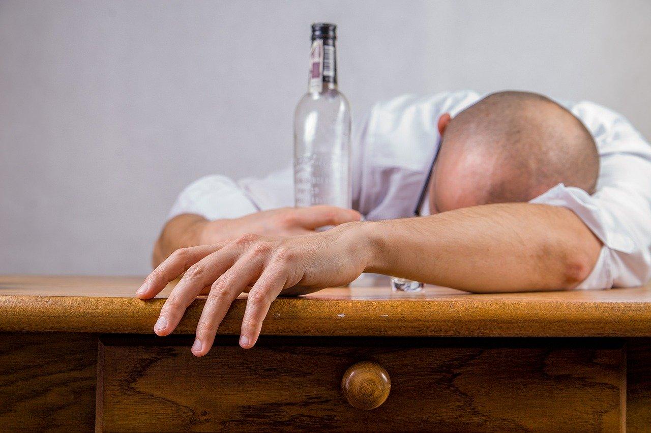 clínica de internação para alcoólatras